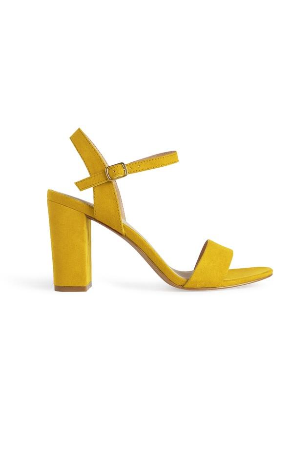 Gelbe Sandaletten mit Absatz