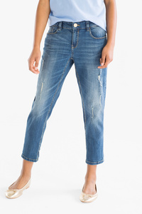 Here and There         THE RELAXED JEANS