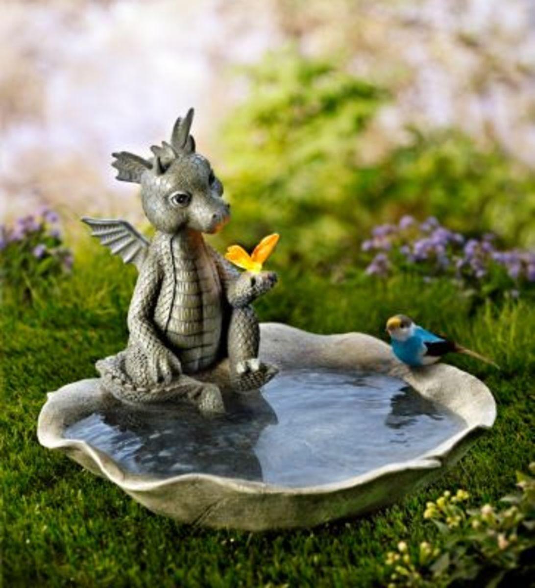 """Bild 1 von Vogeltränke """"Gismo"""" mit Solar-Schmetterling"""