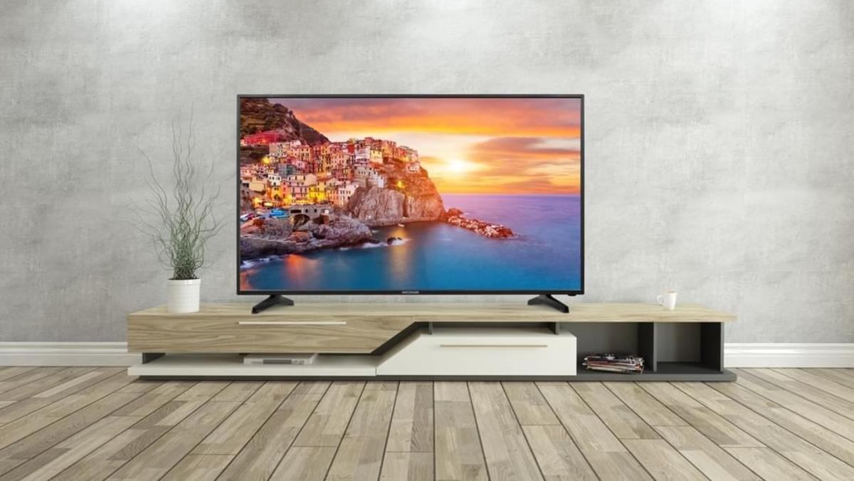 Bild 3 von Medion 4K Ultra HD LED 124,5 cm (49 Zoll) P18111 Triple Tuner