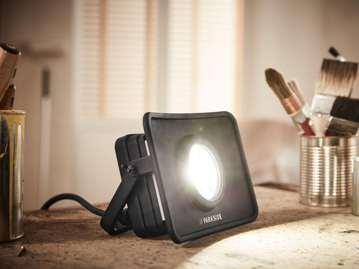 Bild 4 von PARKSIDE® LED-Werkstattstrahler