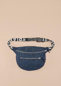 Hip Bag aus Denim