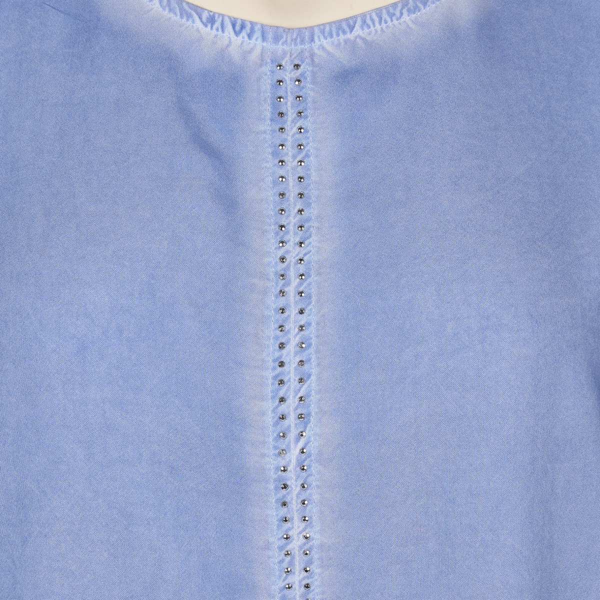 Bild 3 von Große Größen Shirt mit Ziernieten