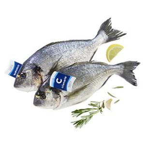 Dorade Royal Cromaris ausgenommen mit Kopf, aus Aquakultur in Kroatien, je 100 g