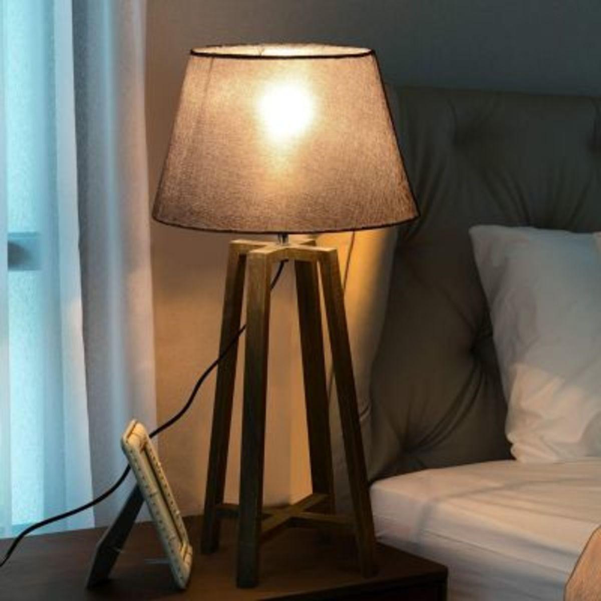 Bild 2 von Nachttischlampe