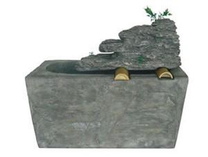 Harms Brunnen aus Polyresin