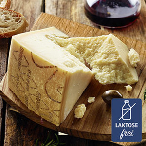 Grana Padano Italienischer Hartkäse mit Rohmilch hergestellt, mind. 32% Fett i. Tr.  je 100g