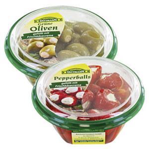 Dittmann grüne Oliven oder Pepperballs gefüllt mit Frischkäsecreme und weitere Sorten, aus dem Kühlregal jede 280-g-Packung