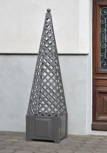 KHW Ranksäule Obelisk grau