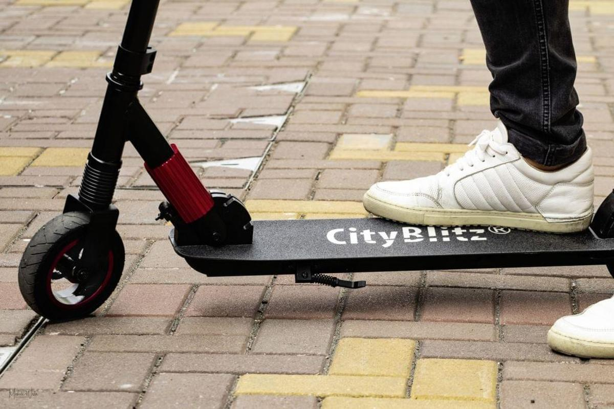 Bild 3 von Cityblitz E-Scooter Cb 049