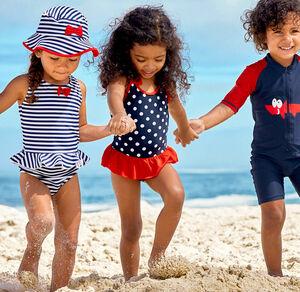 Mädchen-Badeanzug mit frechem Punktemuster