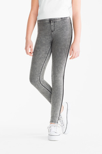 Here and There         THE JEGGINGS