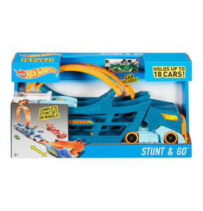 HOT WHEELS             Stunt N Go Transporter & Track-Set