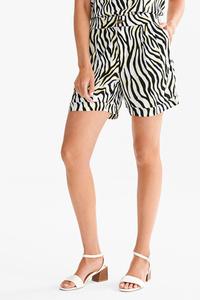 Yessica         Shorts