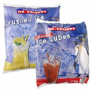 Crushed- oder Würfel-Eis jeder 2000-g-Beutel