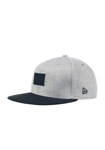 NEW Era Heather Patched Fitted Cap - Grau