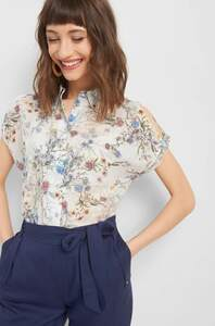 Bluse mit Cut-Out