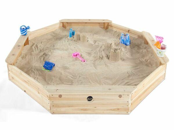 Plum® Kinder Sandkasten aus Holz mit Sitzbänken und Schutzhülle