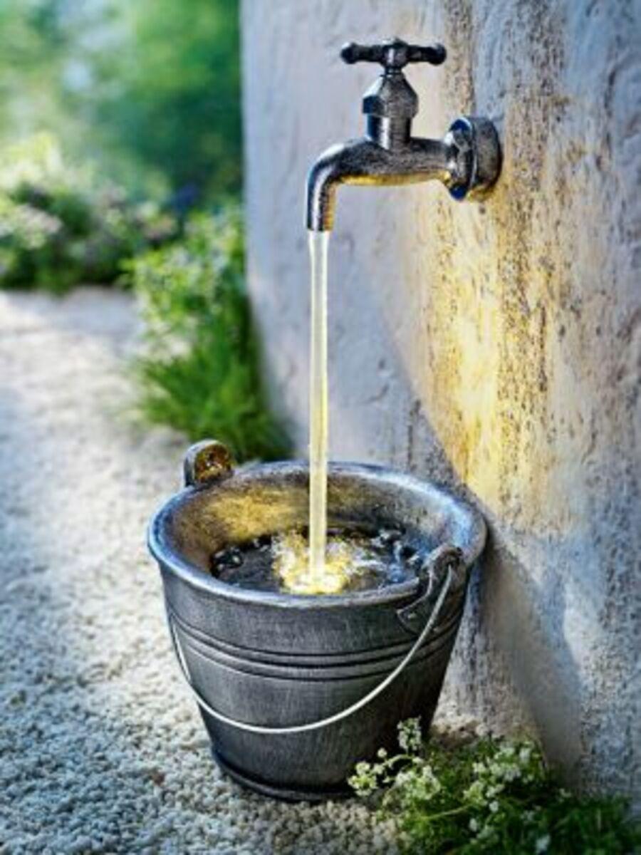 """Bild 2 von LED-Gartenbrunnen """"Wasserhahn"""""""