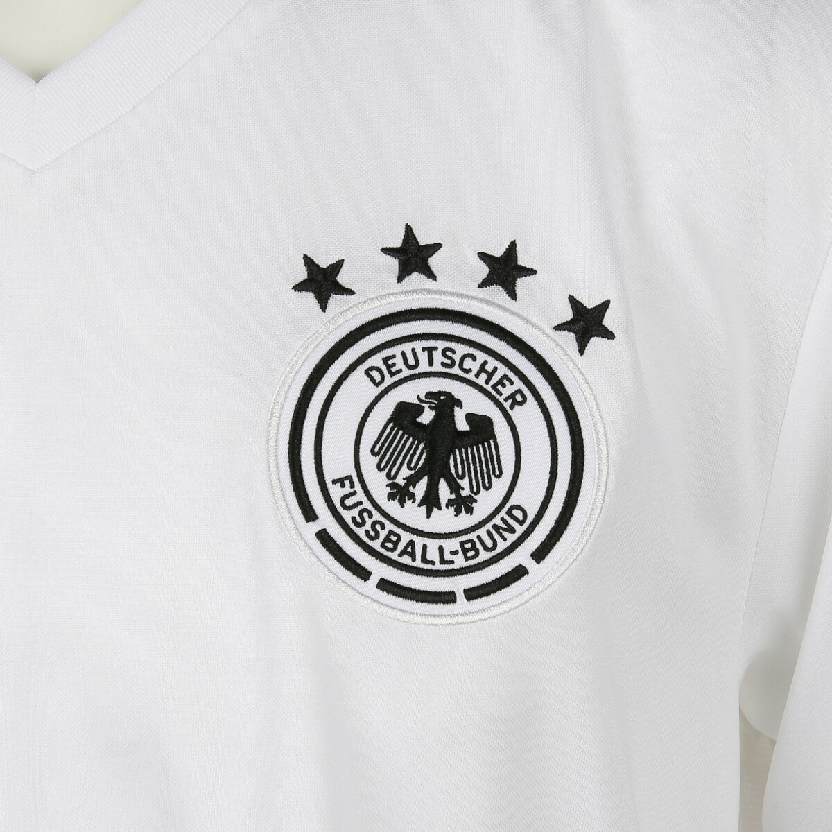 Bild 3 von Herren DFB Trainings Trikot