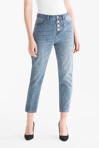 Yessica         THE GIRLFRIEND JEANS