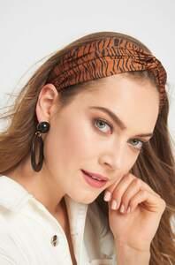 Trendiges Haarband