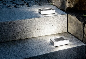 EZSolar LED-Edelstahl-Solar Bodenstrahler, quadratisch - 2er Set