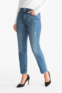 Yessica         THE RELAXED JEANS