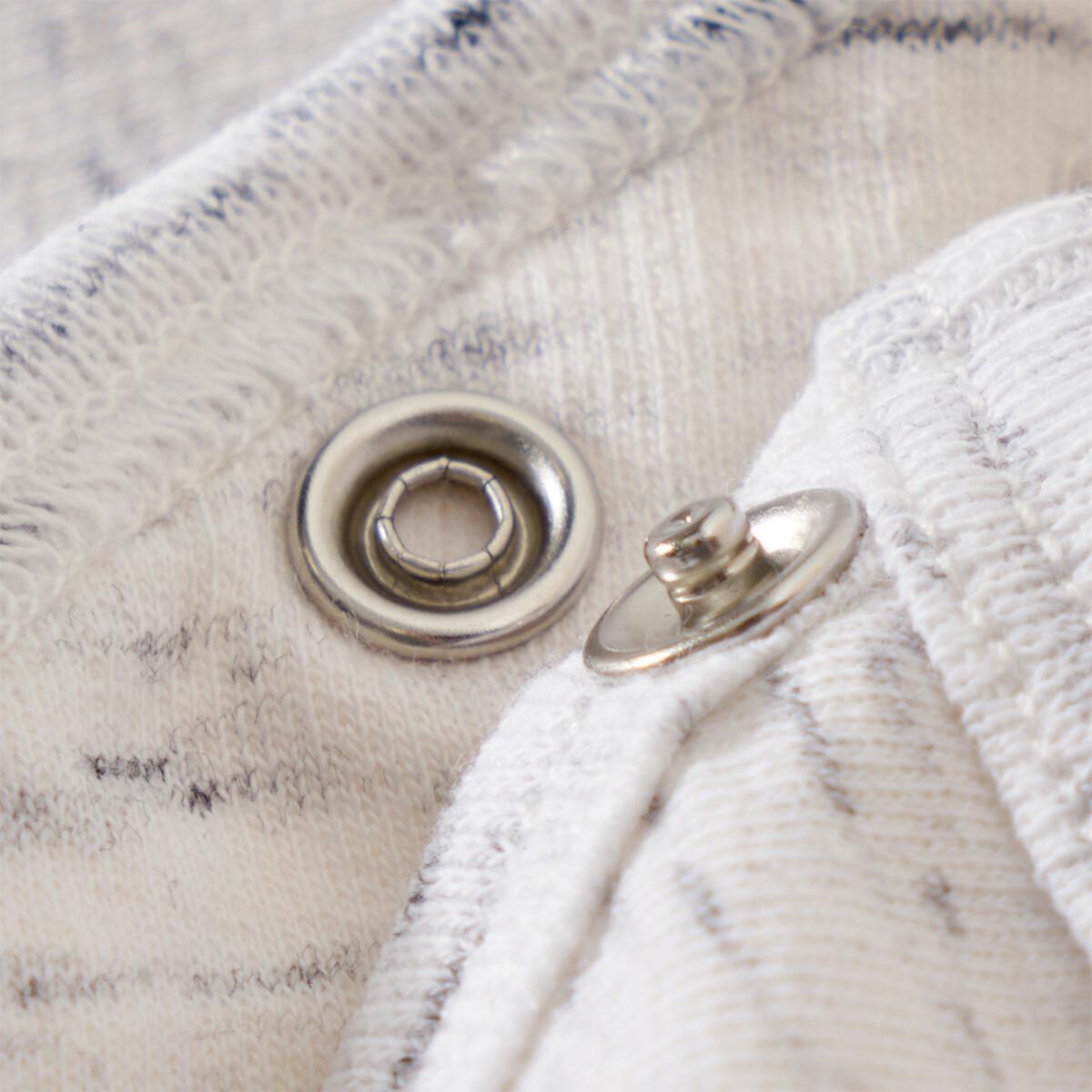 Bild 5 von Newborn Schlafanzug mit Dino-Applikation