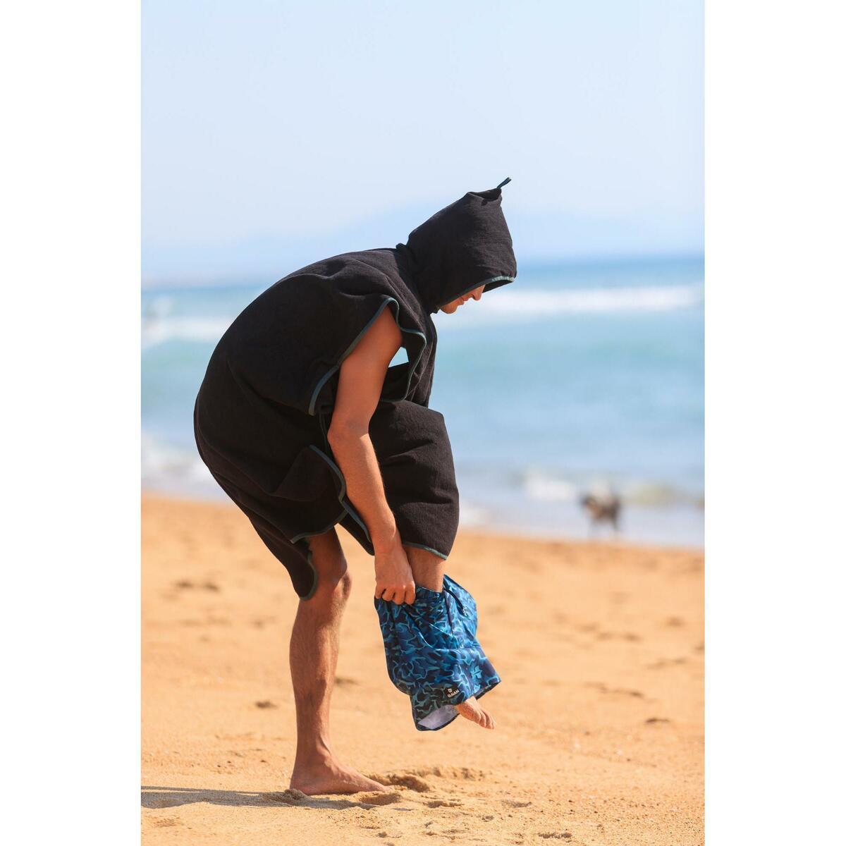 Bild 2 von Surf-Poncho 500 Erwachsene schwarz/blau