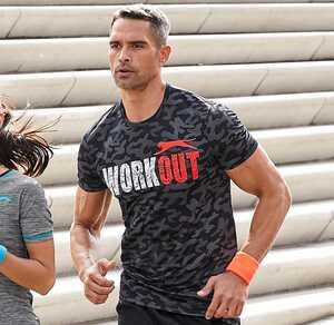 Herren-Fitness-T-Shirt mit Camouflage-Muster