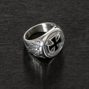 """Ring """"Iron Cross""""        Chirurgenstahl, Größe: 19-22mm"""
