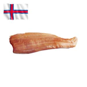 Frisches Lachsfilet von den Färöer Inseln