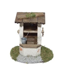 Kolbe Brunnen mit Ziegeldach