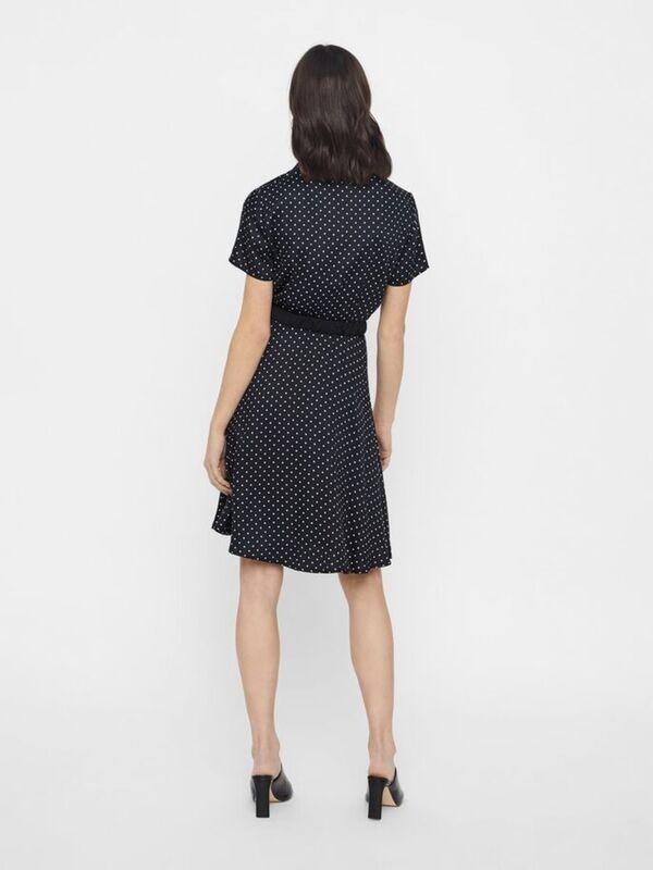 gÜrtel kleid mit kurzen Ärmeln von vero moda ansehen!