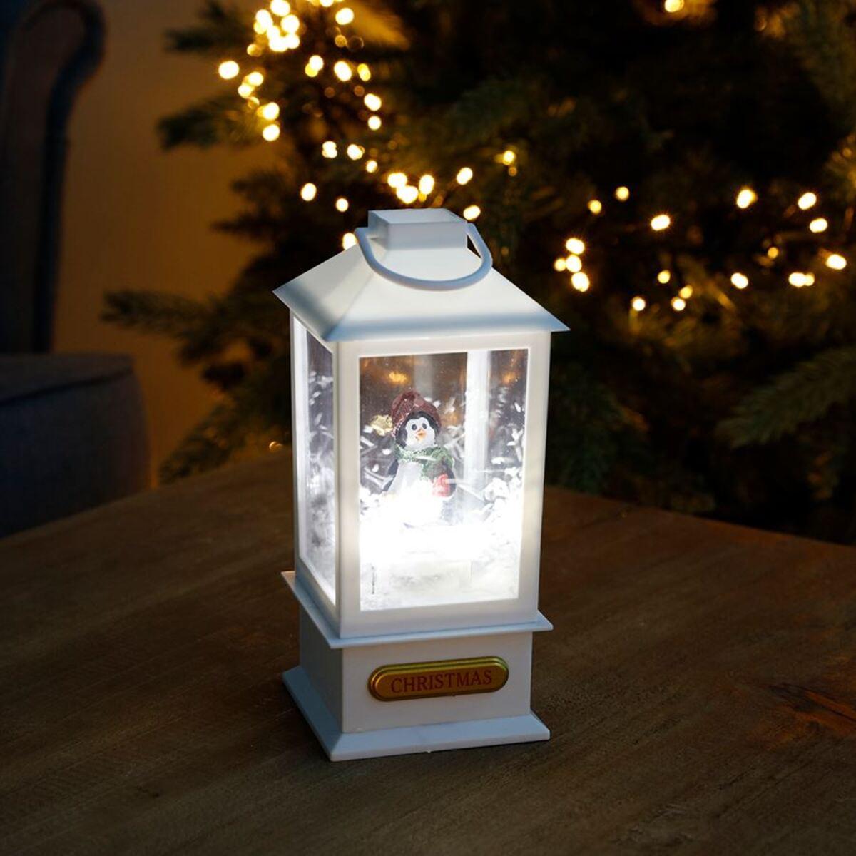 Bild 1 von LED-Dekolaterne mit Schnee-Effekt und Pinguin 9x9x19,5cm Weiß