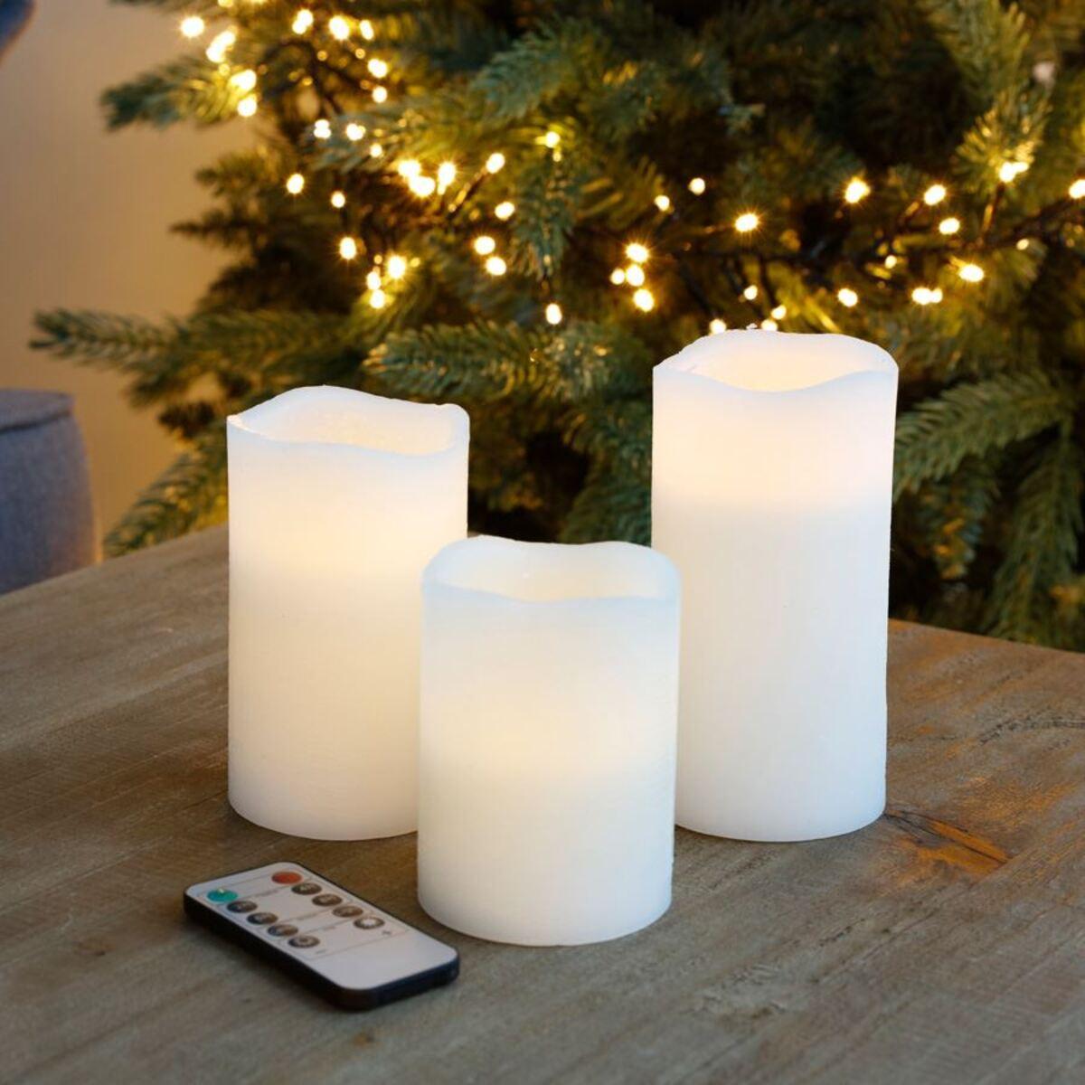 Bild 1 von LED-Echtwachskerzen 3er-Set mit Timerfunktion und Dimmer