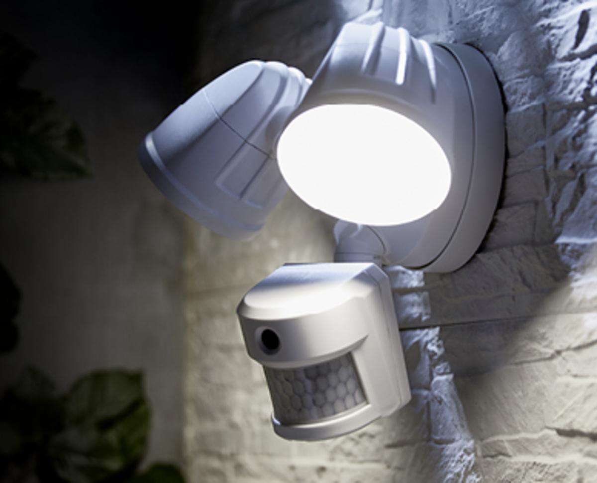 Bild 2 von EASY HOME®  Außenkamera mit LED-Strahler
