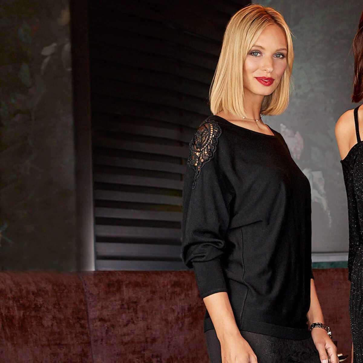 Bild 1 von Damen-Pullover mit Spitzeneinsatz an der Schulter