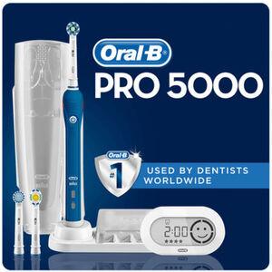 Oral-B Elektrische Zahnbürste PRO 5000, dunkelblau/weiß