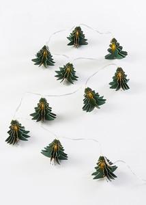 LED-Lichterkette mit Tannenbäumen
