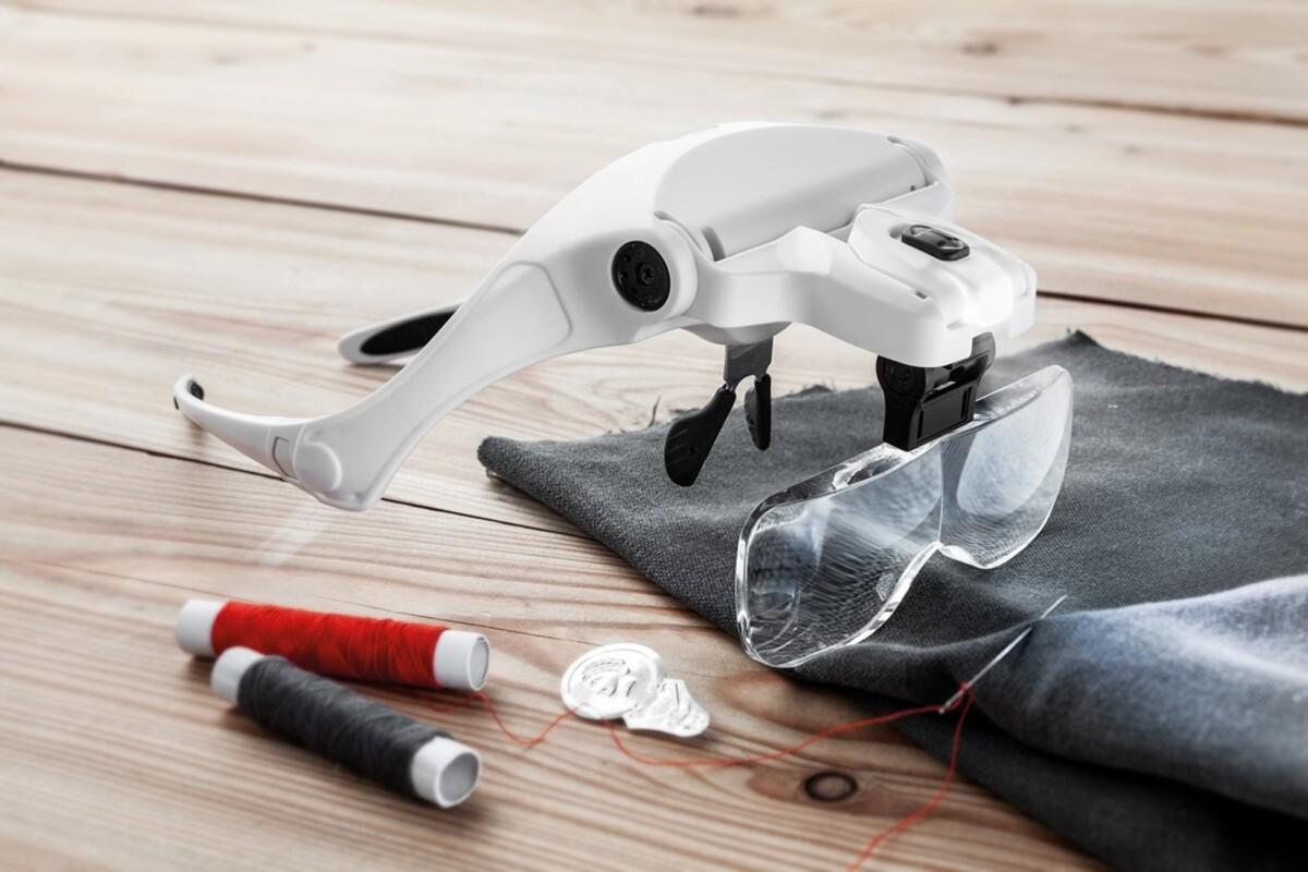 Bild 1 von Kraft Werkzeuge Brillenlupe mit LED