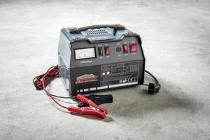 Mauk Batterieladegerät 12V/24V 12A