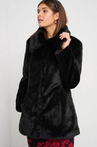 Mantel aus Fellimitat