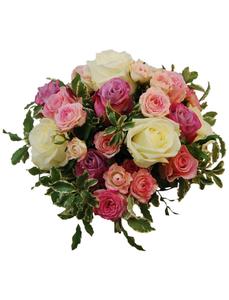 Blumenstrauß mit Rosen, Ø 28–32 cm