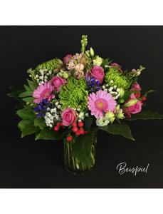 Blumenstrauß mit saisonalen Blumen, Ø 26–30 cm