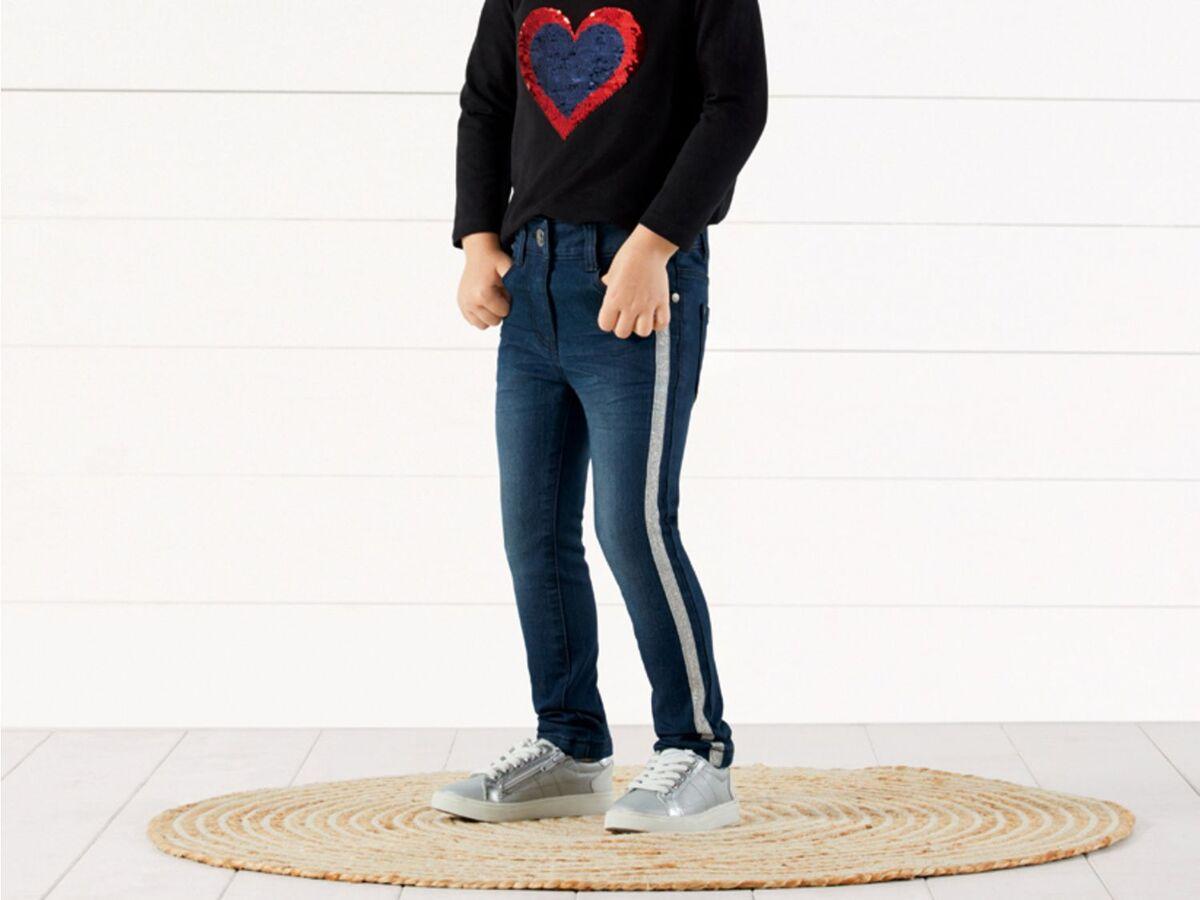 Bild 3 von LUPILU®  Kleinkinder Jeans Mädchen, schmaler Schnitt, mit Glitzerstreifen oder Pailletten