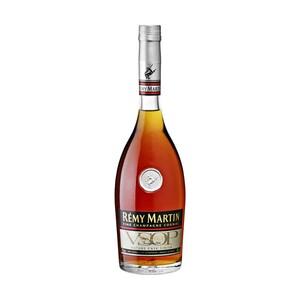 Remy Martin V.S.O.P. Cask Finish 40 % Vol., Land: Frankreich Region: Cognac. Anbaugebiet Champagne. Charakter: Weich und reich an Aromen von Aprikose, Veilchen und Lakritz, ist der V.S.O.P eine Symph