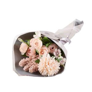Blumenstrauß in Pastelllila