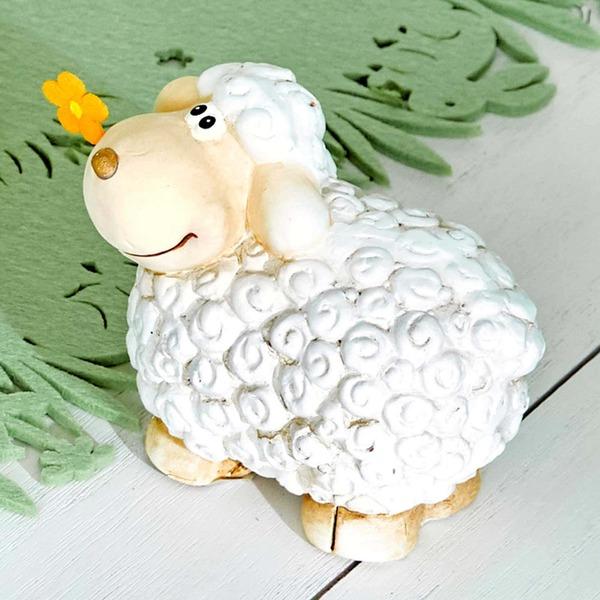 Deko-Schaf mit Blümchen im Mund, ca. 11x7x10cm